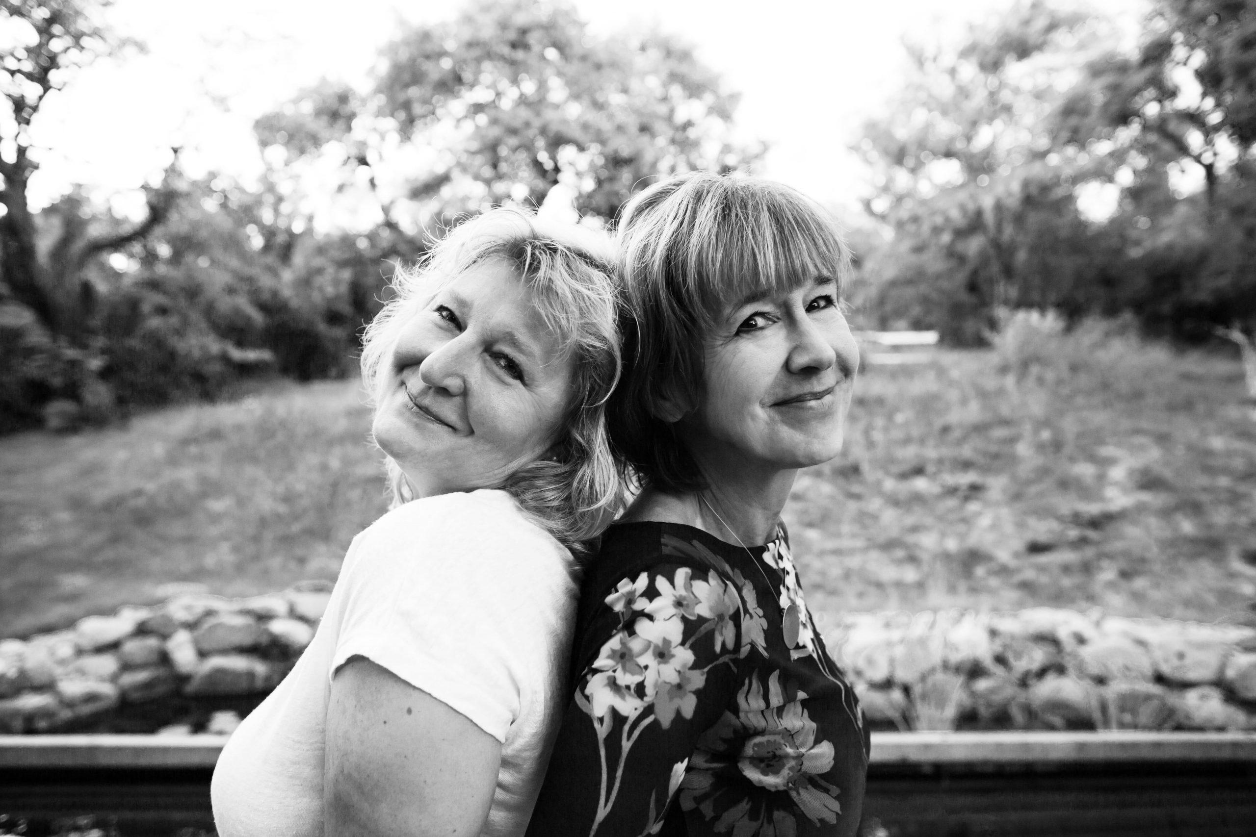 Portrait friendship shooting Photography black white Christina Hein
